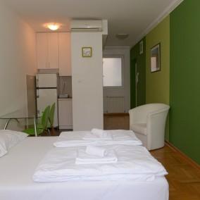 Apartman Deligradska, Slavija