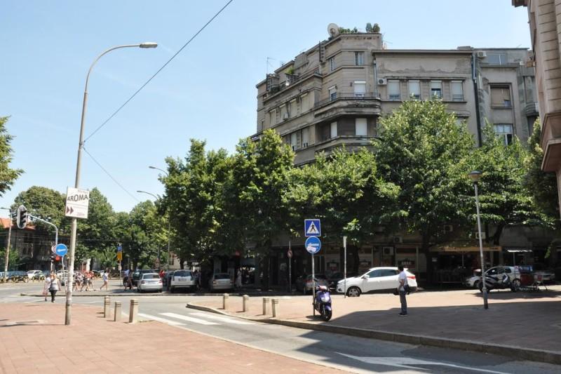 Apartman George okolina zgrade