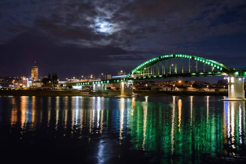 beograd stari zeleznički most noću