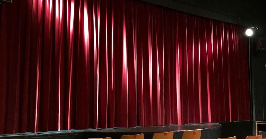 pozornica u teatru